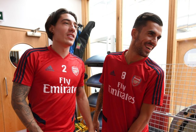 buy online 2b6c1 3b4a7 Arsenal news: Hector Bellerin pays ultimate compliment to ...