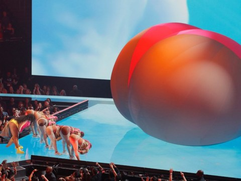 Lizzo performs with massive inflatable bum as she slays MTV VMAs 2019