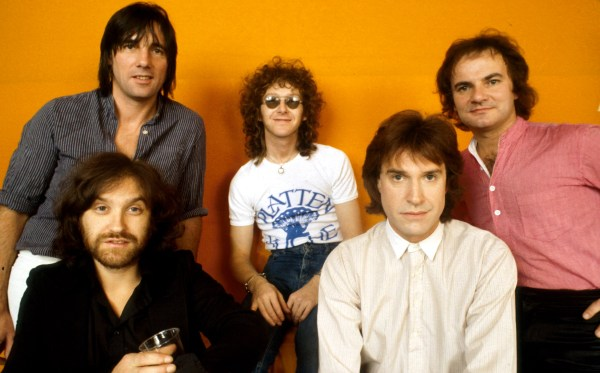 Mandatory Credit: Photo by Peter Mazel/Sunshine/REX (3025335u) The Kinks - Dave Davies, Mick Avory, Ian Gibbons, Ray Davies and Jim Rodford Various - 1980s