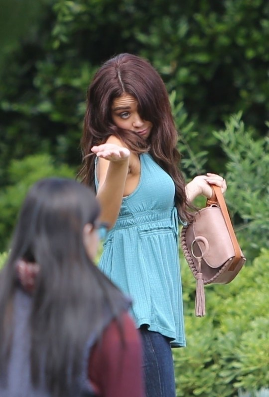 Modern Family's Sarah Hyland and Ariel Winter return to set ahead of final season