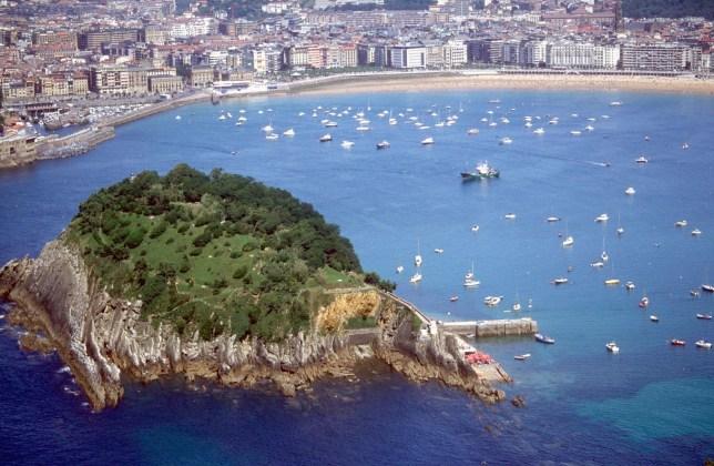 Mandatory Credit: Photo by Ray Roberts/REX (425602h) BAY OF LA CONCHA SAN SEBASTIAN, SPAIN - 2003