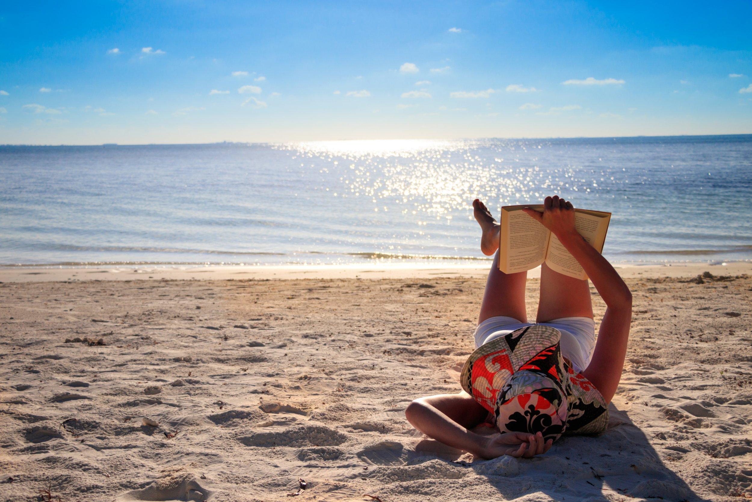 Dreamscape Escape with beauty lady on Maldives