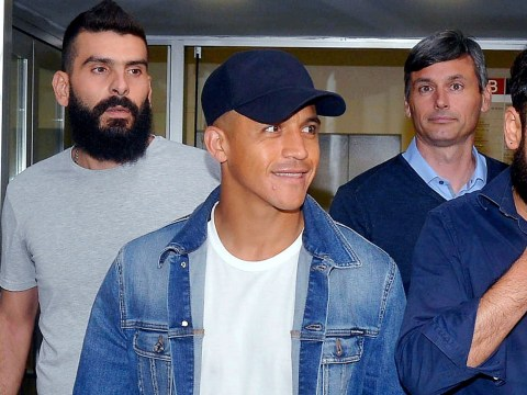 Inter Milan fans give Alexis Sanchez hero's welcome after Manchester United agree loan deal
