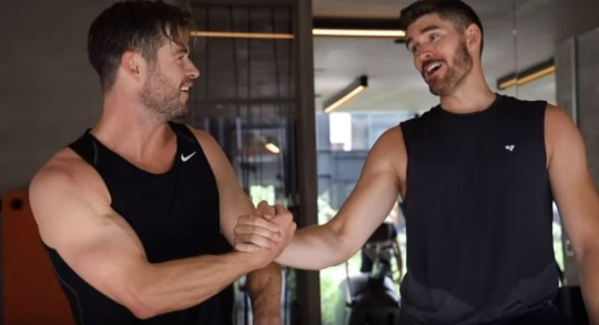 Chris Hemsworth works out with YouTuber Erik Conover