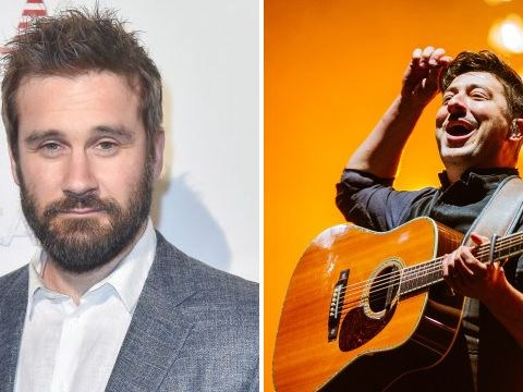 Vikings' Clive Standen is the ultimate stan as he rocks out at Mumford and Sons gig and it's too pure