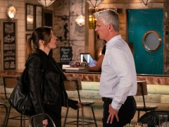 Michelle discovers that Robert is lying to her in Corrie