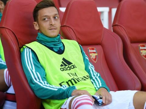 Arsenal star Mesut Ozil convinced Mohamed Elneny to join Besiktas