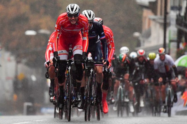 Torrential rain batters cyclists at World Championships in Yorkshire as 146 fail to finish race
