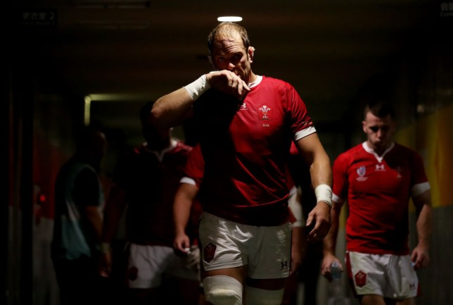 Alun Wyn Jones wanted Wales to press home their advantage in the second half
