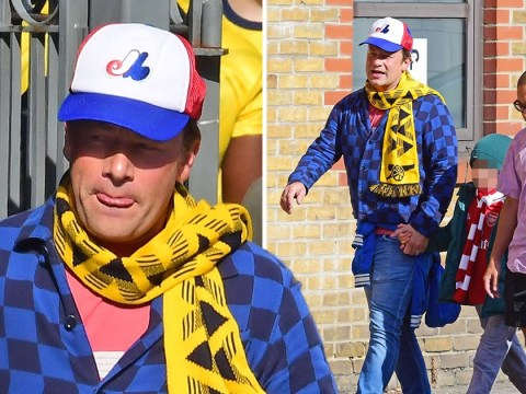Jamie Oliver shows his true colours as he heads to Arsenal vs Tottenham game
