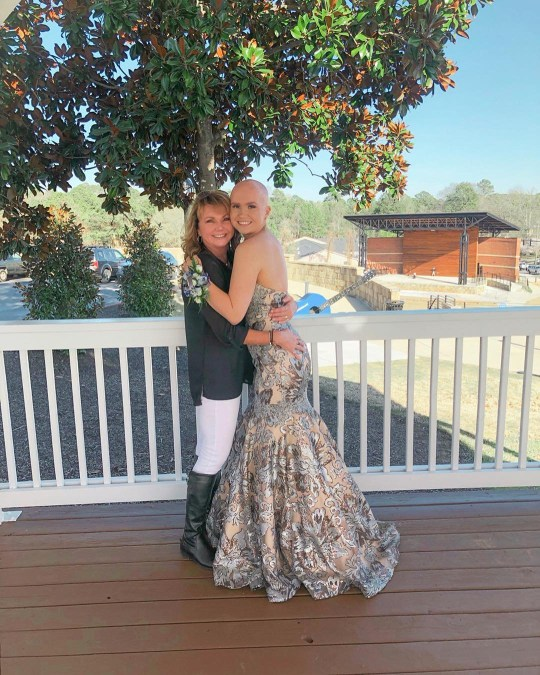 Hayden on her prom pictures with her mum
