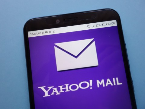Yahoo Mail went down and frustrated users threatened to delete their accounts
