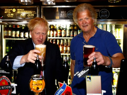 Wetherspoons slashes average pint cost by 20p to promote Brexit