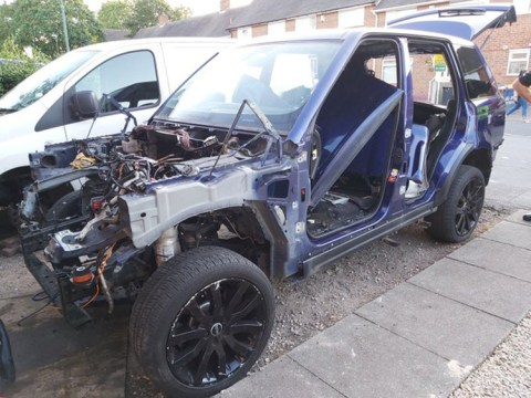 Range Rover almost entirely stripped for parts by car thieves
