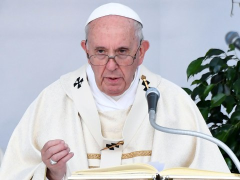 Pope tells people to stop using useless, silly adjectives