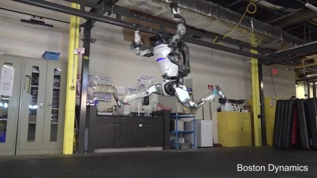 Boston Dynamics robot pulls off terrifying parkour tricks