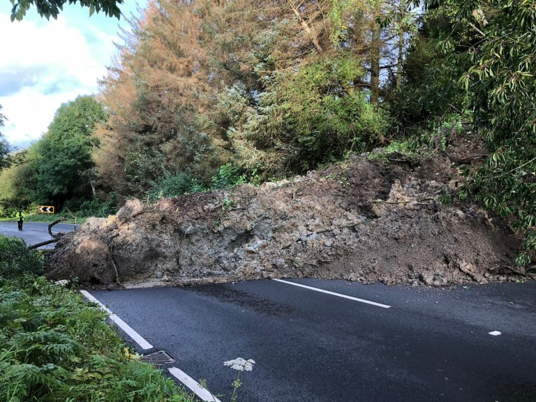 Flooding weather landslide A490 closed near Valley View Holiday Park Pentre?r Beirdd due to landslide. Police at scene awaiting @powyshighways for road closures and diversions. https://twitter.com/WelshpoolPolice/status/1178350068786765824 Picture: WelshpoolPolice