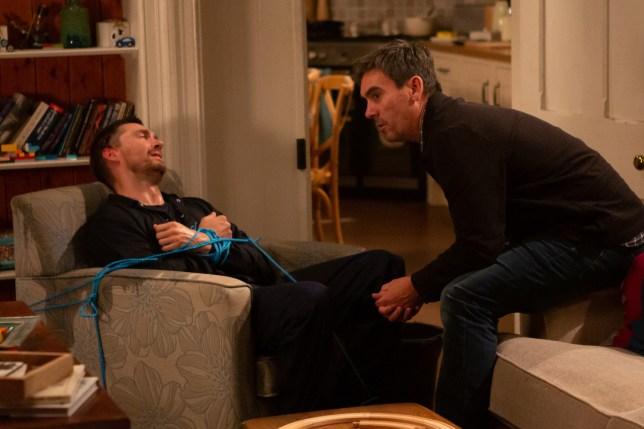 Cain targets Pete in Emmerdale