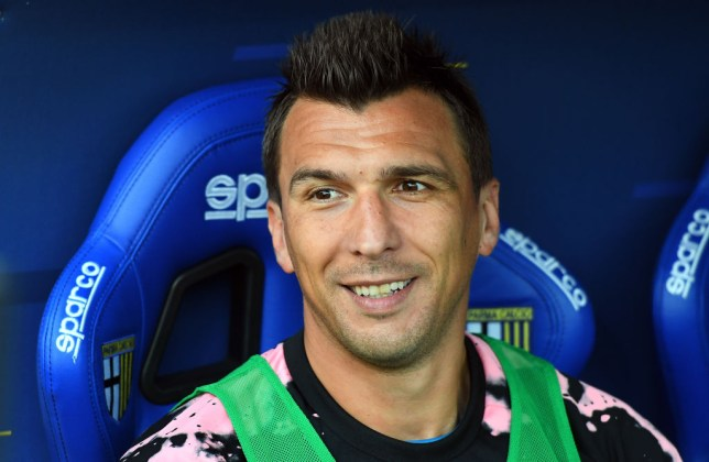 Mario Mandzukic wants to join Manchester United earlier to hit the ground running
