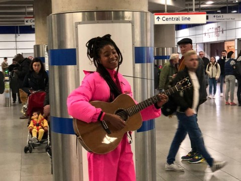 Willow Smith casually busks in a central London underground station and this is not a drill