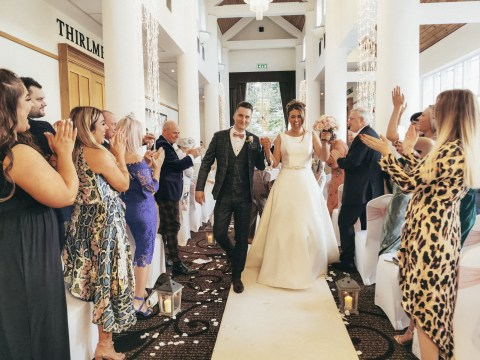 Photographer ditches professional equipment and captures wedding using just a smartphone