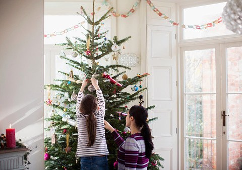 When should you put up your Christmas decorations and tree?