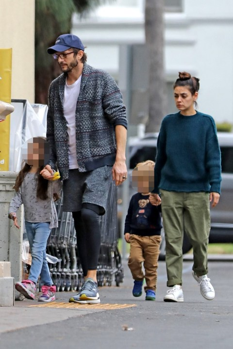 Ashton Kutcher And Mila Kunis Shrug Off Demi Moore Claims On Shopping Trip Metro News