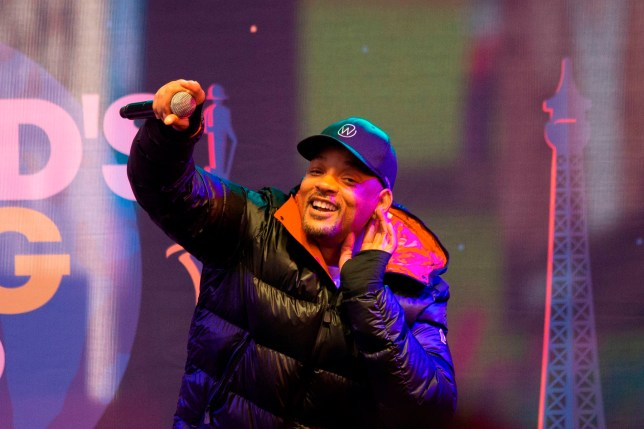 Will Smith keeps the crowd amped-up as he performs at The World's Big Sleep Out in Times Square
