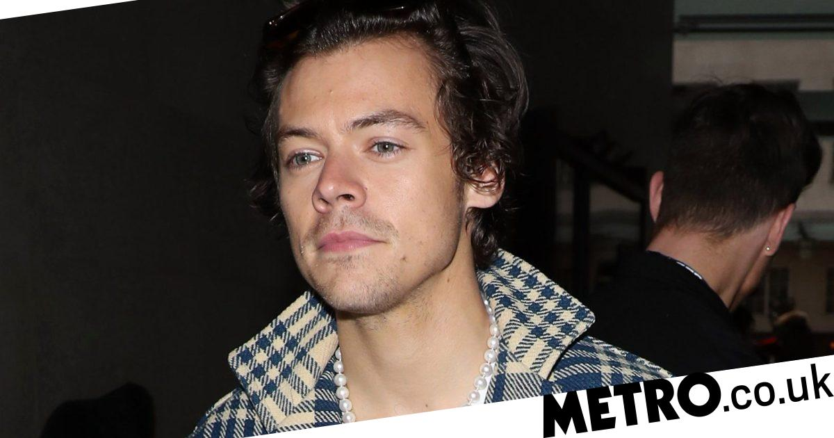 Harry Styles 'robbed at knifepoint for money' on Valentine's night out