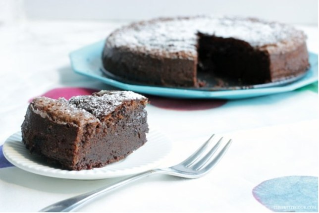 This two-ingredient Nutella cake has the internet ready to indulge