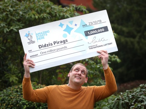 Single dad turns up for Christmas shift at work despite £1,000,000 lottery win