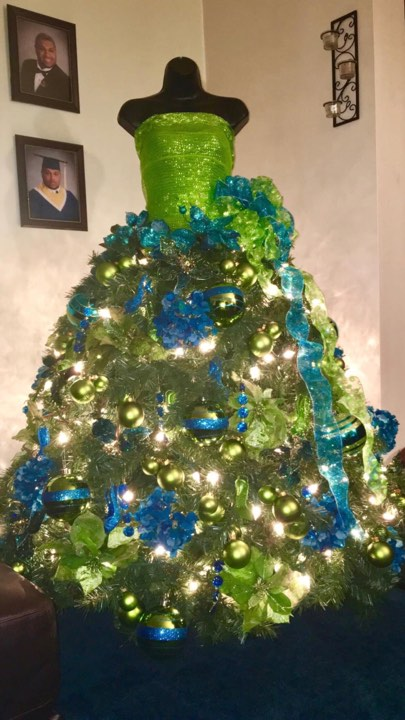 One of Eileen Pearsall's Christmas mannequin creations