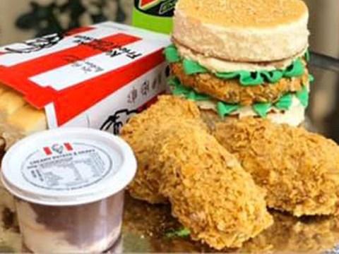 Mum makes incredible KFC cake for chicken loving son
