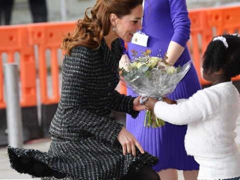 Kate Middleton struggles with wind as she arrives at children's hospital