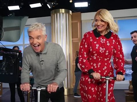 Holly Willoughby and Phillip Schofield all-smiles as they brush off This Morning 'feud' drama in new ITV daytime trailer