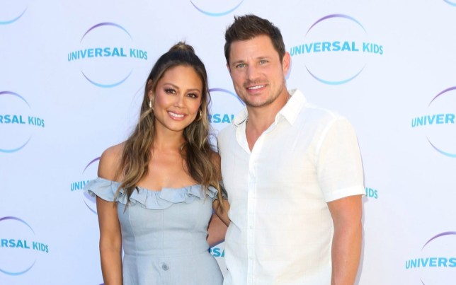 Vanessa Lachey (L) and Singer Nick Lachey