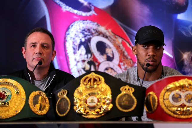 Rob McCracken wants his fighter Anthony Joshua to face British rival Tyson Fury