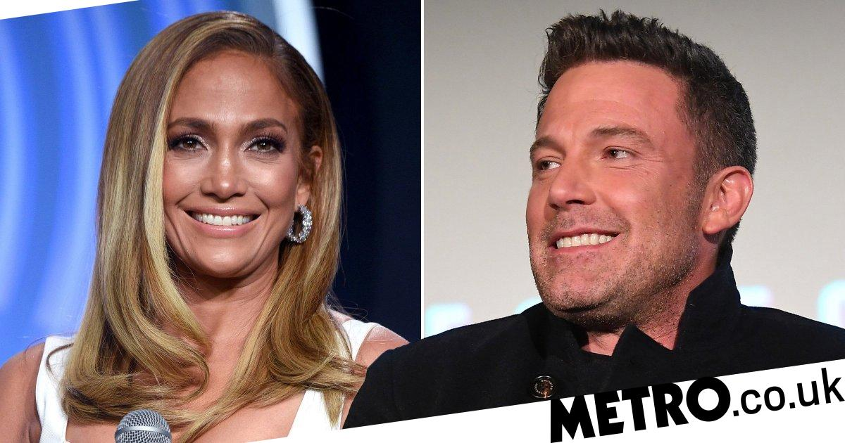 Ben Affleck 'keeps in touch' with ex Jennifer Lopez and we can't cope