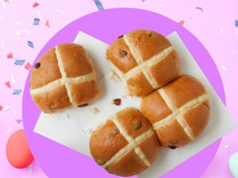 When do you eat hot cross buns at Easter?