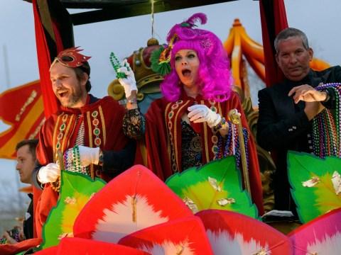 Always Sunny in Philadelphia stars Charlie Day and Elizabeth Willis lead procession at Mardi Gras