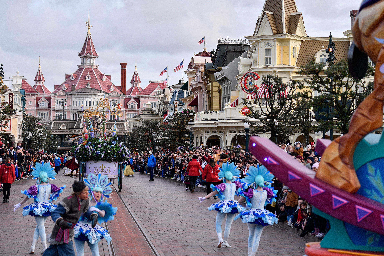 Coronavirus: When is Disneyland Paris closing and when will it ...