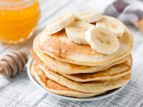These three-ingredient pancakes can be made without eggs or flour