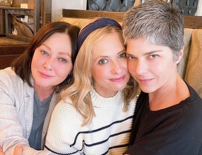 BGUK_1890980 - Various, UNITED KINGDOM - Celebrity social media photos! Pictured: Sarah Michelle Gellar, Shannen Doherty, Selma Blair BACKGRID UK 4 MARCH 2020 *BACKGRID DOES NOT CLAIM ANY COPYRIGHT OR LICENSE IN THE ATTACHED MATERIAL. ANY DOWNLOADING FEES CHARGED BY BACKGRID ARE FOR BACKGRID'S SERVICES ONLY, AND DO NOT, NOR ARE THEY INTENDED TO, CONVEY TO THE USER ANY COPYRIGHT OR LICENSE IN THE MATERIAL. BY PUBLISHING THIS MATERIAL , THE USER EXPRESSLY AGREES TO INDEMNIFY AND TO HOLD BACKGRID HARMLESS FROM ANY CLAIMS, DEMANDS, OR CAUSES OF ACTION ARISING OUT OF OR CONNECTED IN ANY WAY WITH USER'S PUBLICATION OF THE MATERIAL* UK: +44 208 344 2007 / uksales@backgrid.com USA: +1 310 798 9111 / usasales@backgrid.com *UK Clients - Pictures Containing Children Please Pixelate Face Prior To Publication*