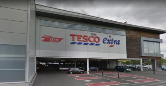 Tesco shoppers 'fight' and 'crush at door' as over 1,000 queue