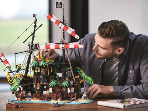 Lego Ideas Pirates of Barracuda Bay is the perfect way to while away a lockdown