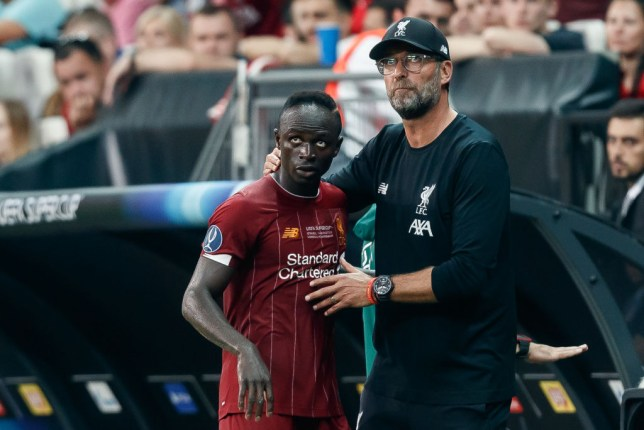 ISTANBUL, TURKEY - AUGUST 14: Head coach Juergen Klopp of Liverpool FC and Sadio Mane of Liverpool FC gesture during the UEFA Super Cup match between FC Liverpool and FC Chelsea at Vodafone Park on August 14, 2019 in Istanbul, Turkey. (Photo by TF-Images/ Getty Images)