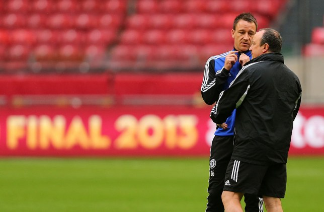 John Terry speaks to Rafael Benitez during Chelsea training