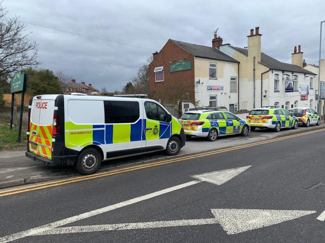Picture of police outside pub in Nottinghamshire
