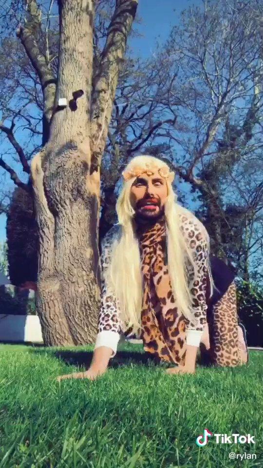 Rylan Clark-Neal transforms into Tiger King's Carole Baskin