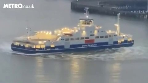 London's Woolwich Ferry performed donuts on the River Thames 'to support NHS workers' picture: @matty5208 METROGRAB